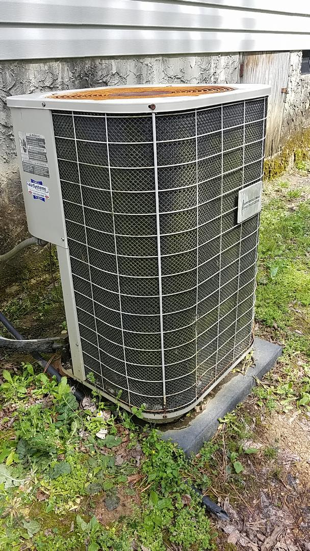 Cleveland, TN - Service call. Performed repair on Intertherm AC