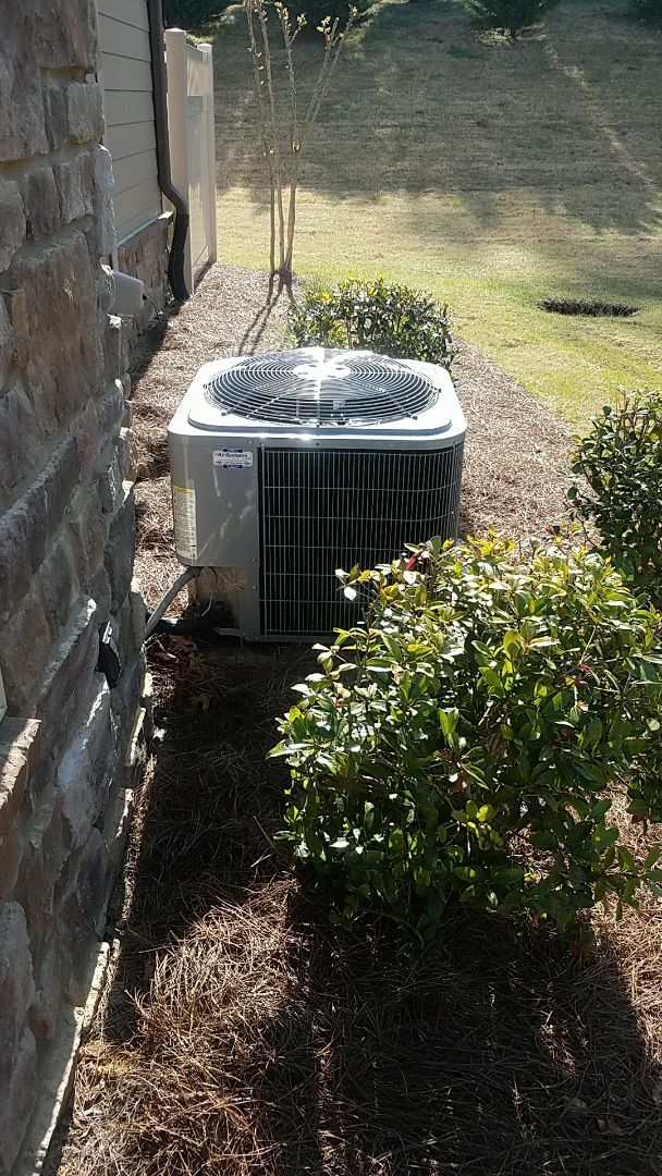 Ooltewah, TN - Service call. Performed maintenance on a Carrier system.