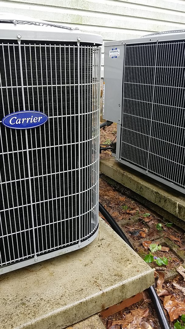 Cleveland, TN - Maintenance call. Performed maintenance on Carrier heat pump