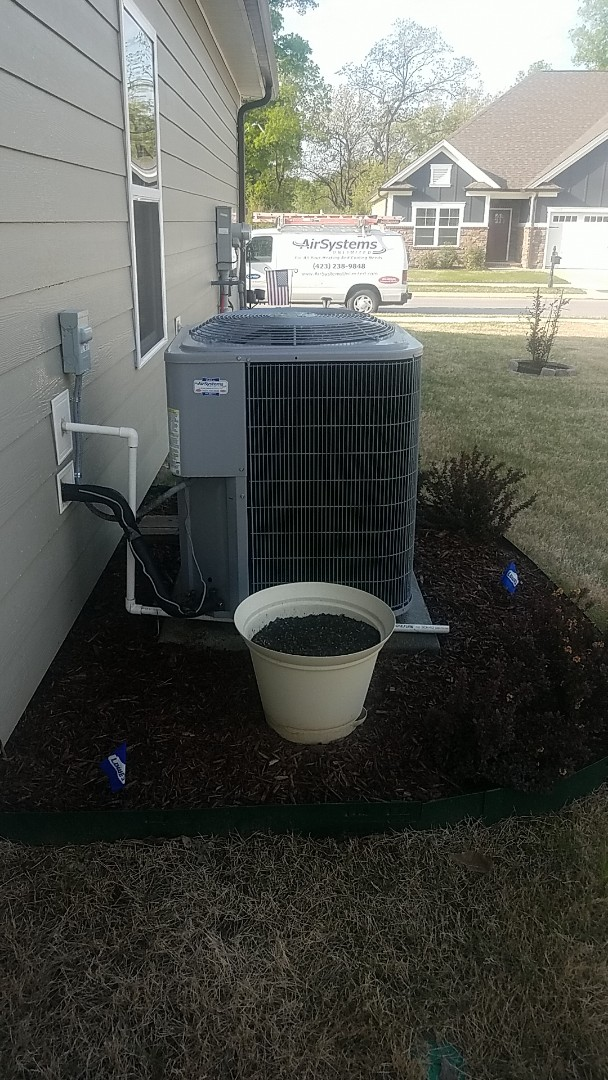 Chattanooga, TN - Service call. Performed maintenance on a Carrier system.