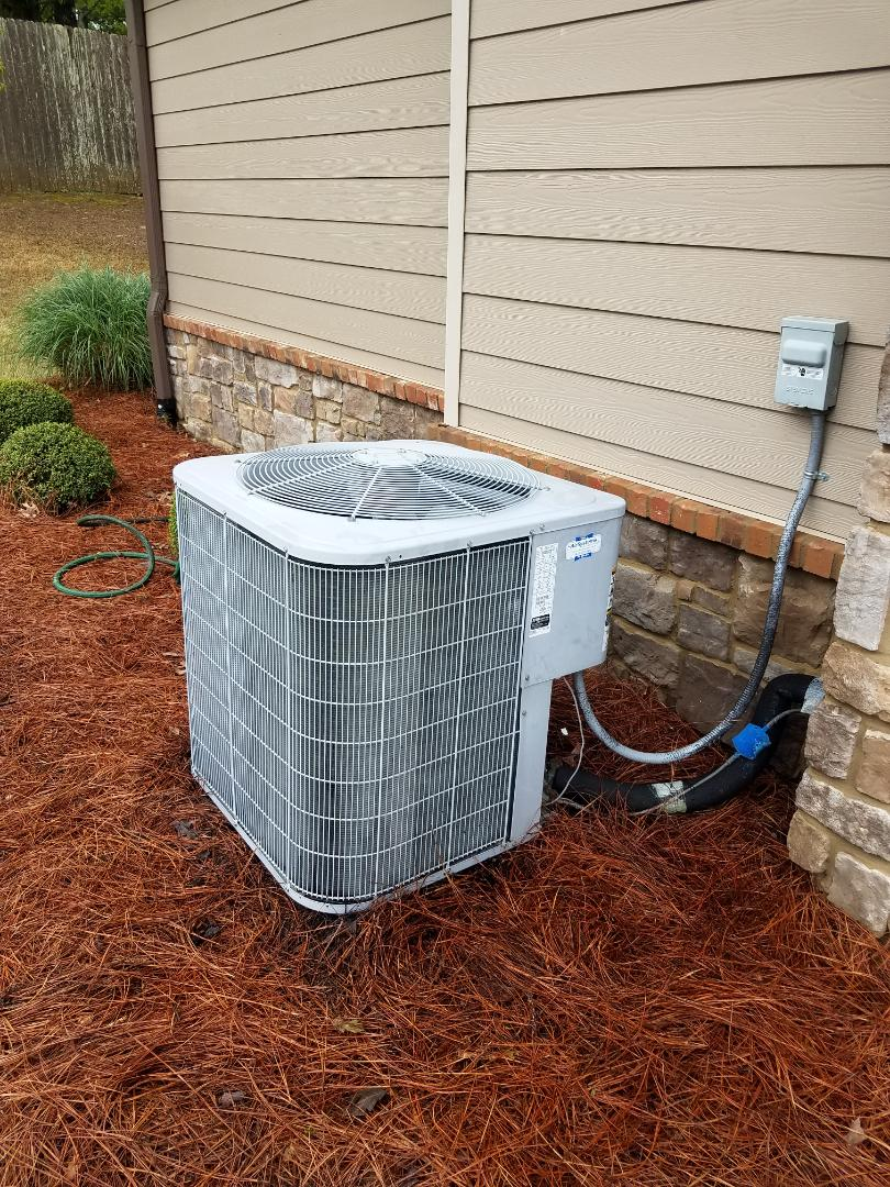 Ooltewah, TN - Service call ,performed repair on carrier condenser