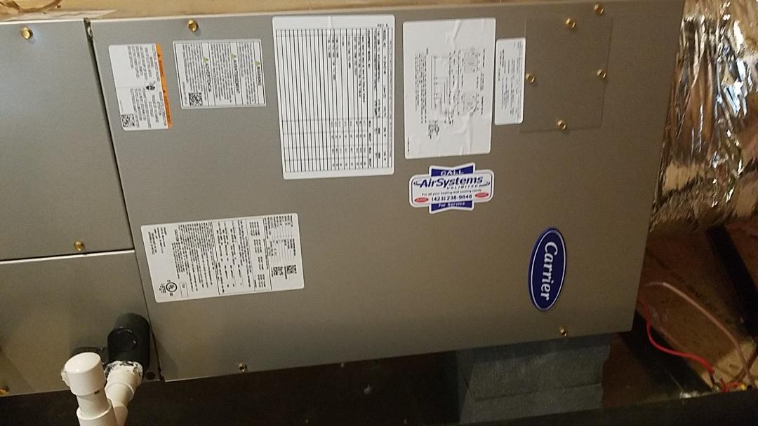 Signal Mountain, TN - Maintenance call. Performed maintenance on Carrier heat pump