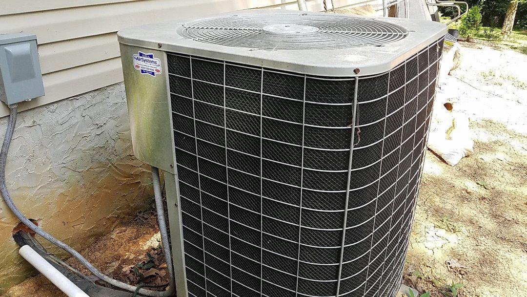 McDonald, TN - Service call. Performed repair on Intertherm heat pump