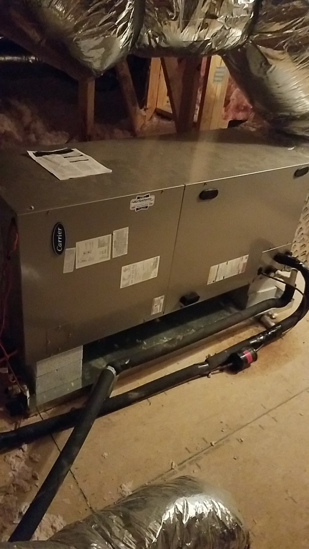 Signal Mountain, TN - Service call. Performed repair on Carrier Heat Pump system.