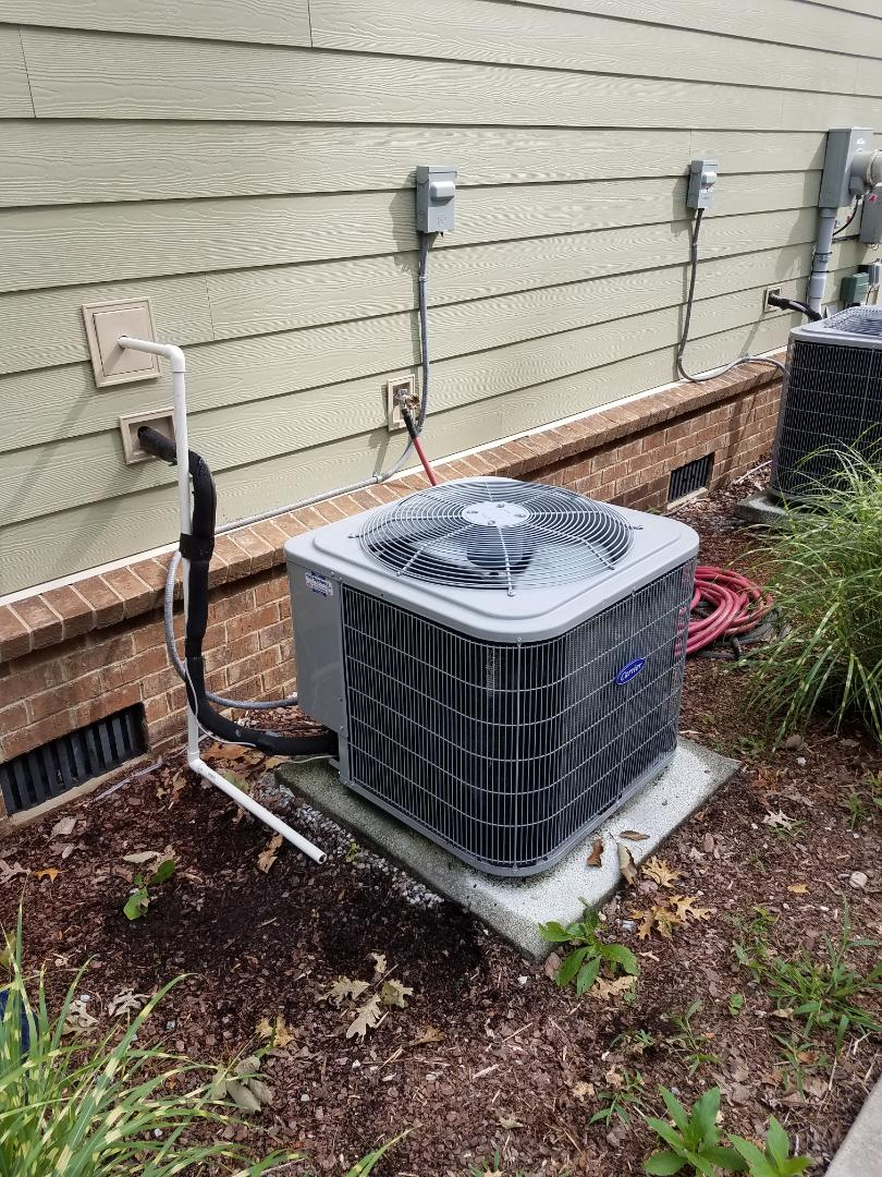 Signal Mountain, TN - Service call performed repair on Carrier heat pump condenser