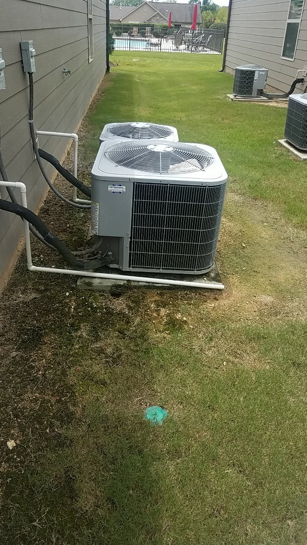 Ooltewah, TN - Service call. Performed A/c maintenance.