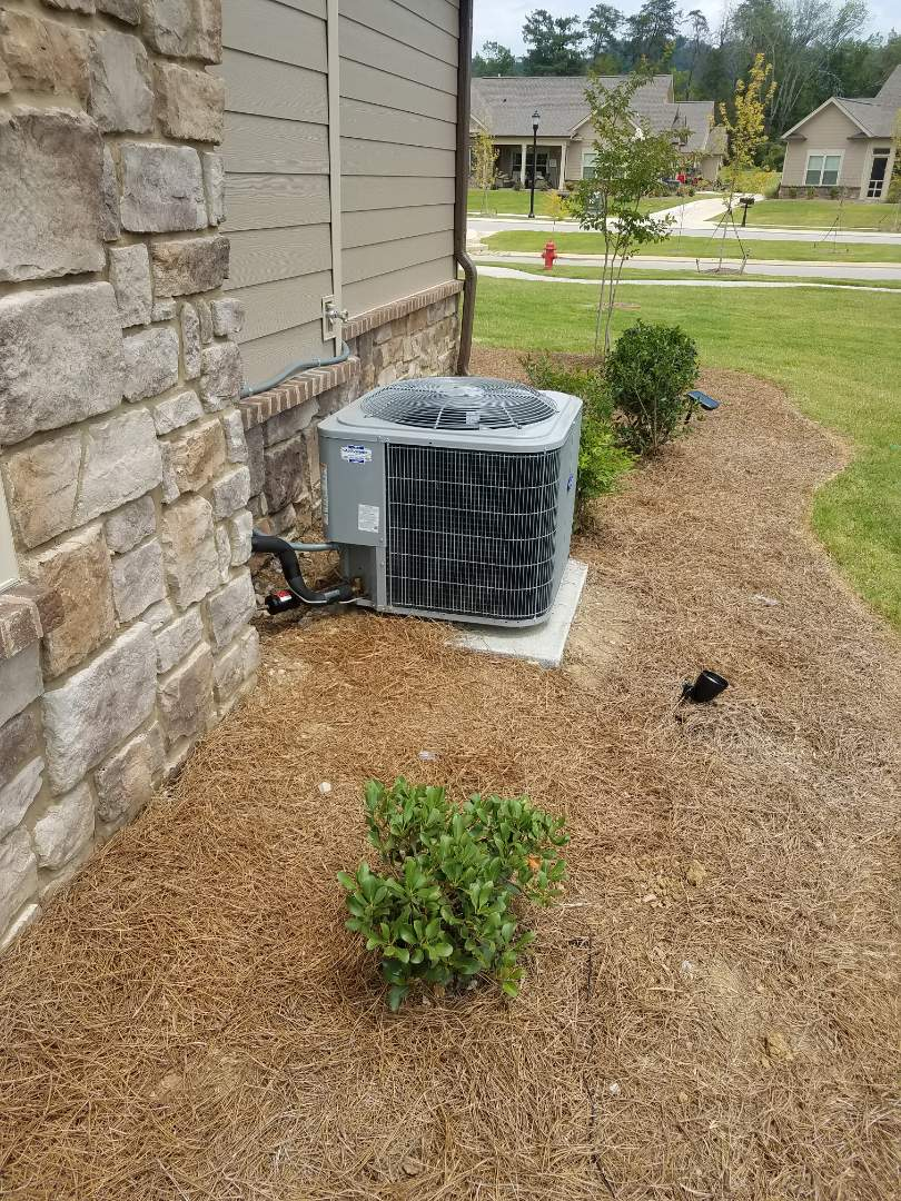 Ooltewah, TN - Service call.  Performed repair on Carrier condenser