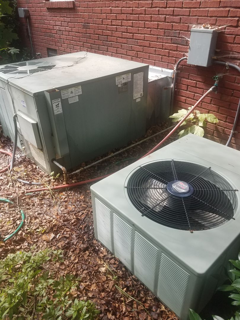 Ooltewah, TN - Service call.  Performed repair on Rudd condenser