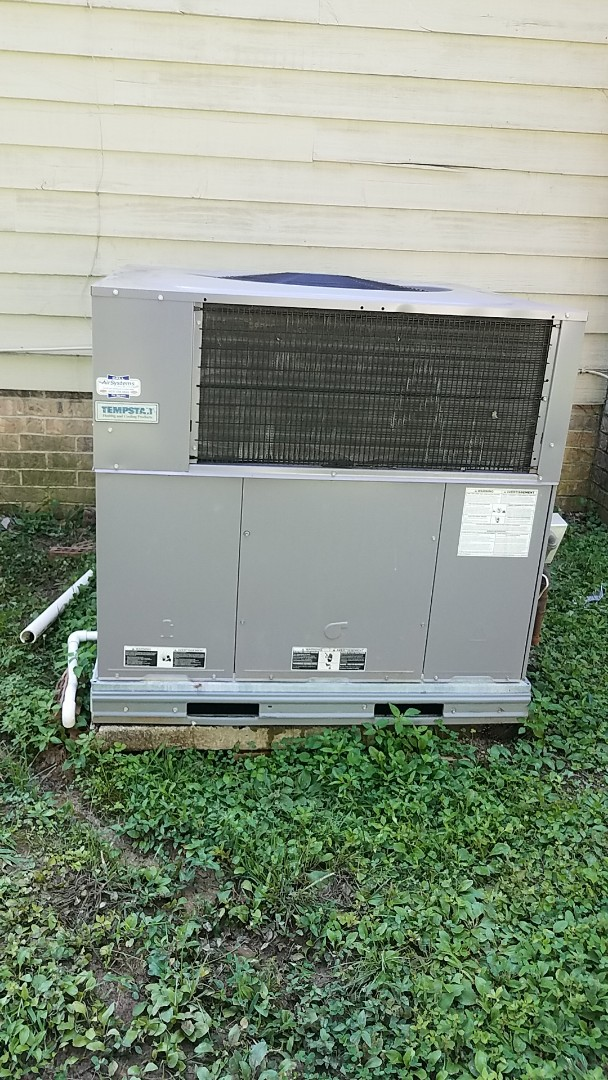 Cleveland, TN - Service call. Performed A/c maintenance on a Tempstar system.