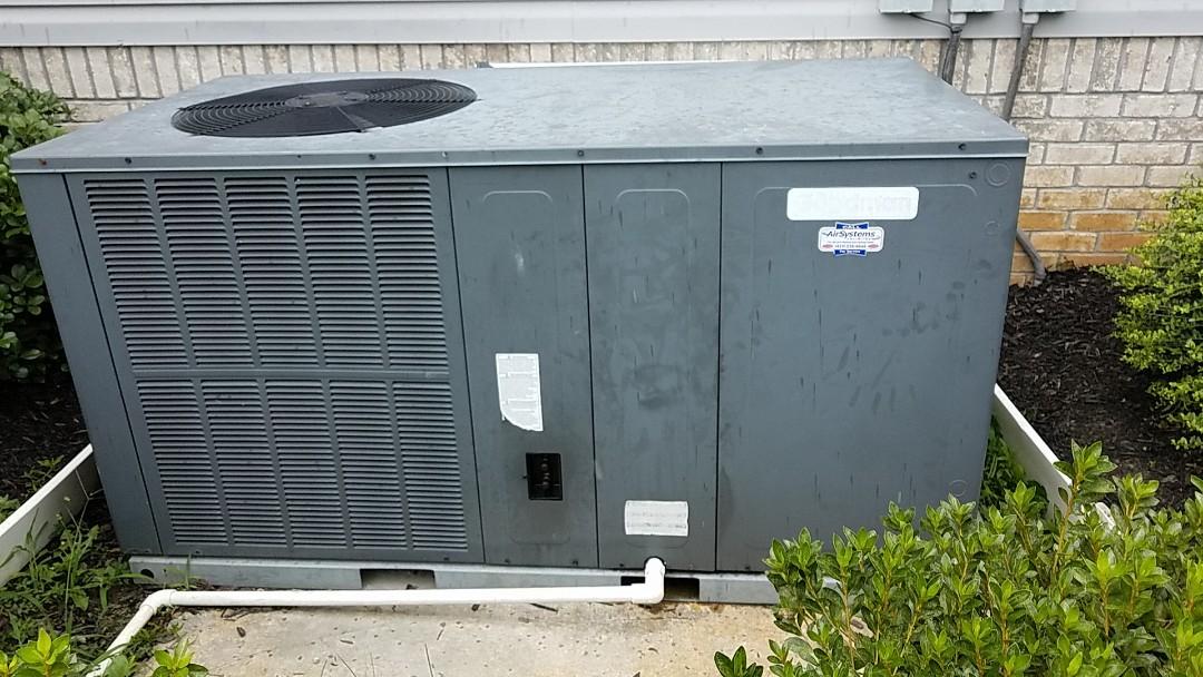 Cleveland, TN - Service call. Performed repair on Goodman heat pump