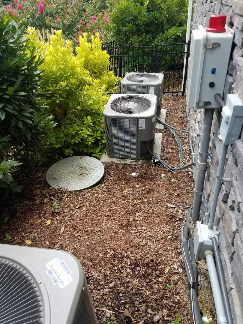 Chattanooga, TN - Service call performed repair on Lennox condenser
