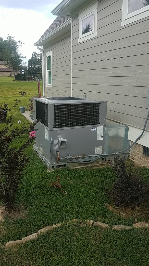 Chattanooga, TN - Service call. Performed service on a Heil Gas package unit.