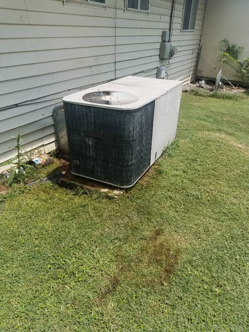Chattanooga, TN - Service call . Performed repair on GMC package unit