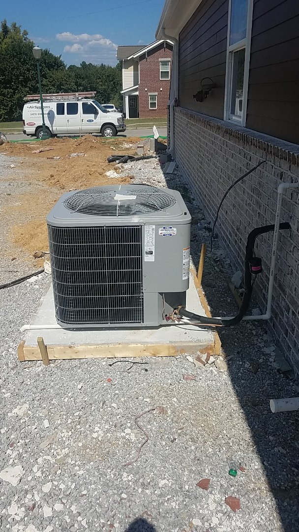 Chattanooga, TN - Installation of a new Carrier system.