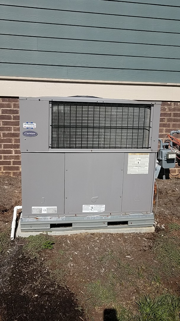 Apison, TN - Service call. Performed fall maintenance on a Carrier Gas package system.