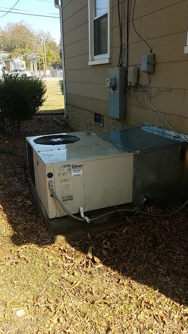 Chattanooga, TN - Service call. Performed maintenance on a Gibson Heat Pump package unit.
