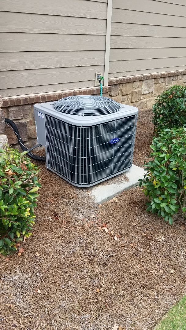 Ooltewah, TN - Service call . Performed repair on carrier condenser