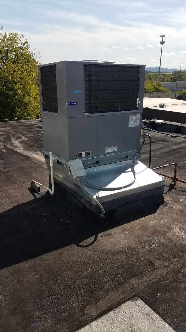 Chattanooga, TN - Service call,  install of new gas package unit