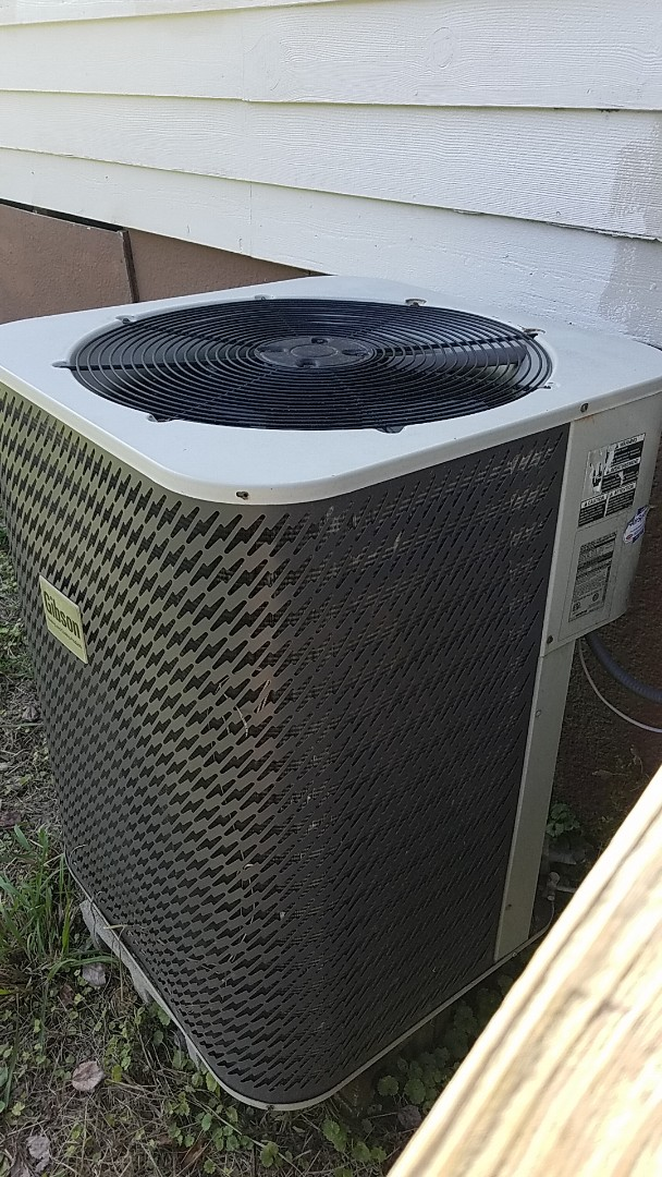 McDonald, TN - Service call. Performed repair on Gibson heat pump