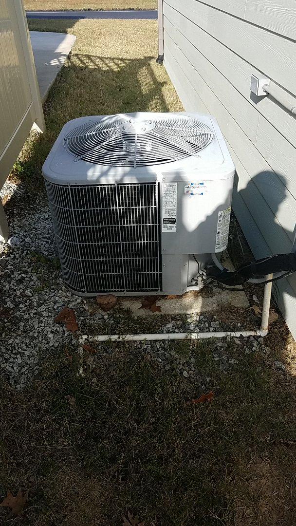 Cleveland, TN - Service call. Performed Fall maintenance on a Carrier system.