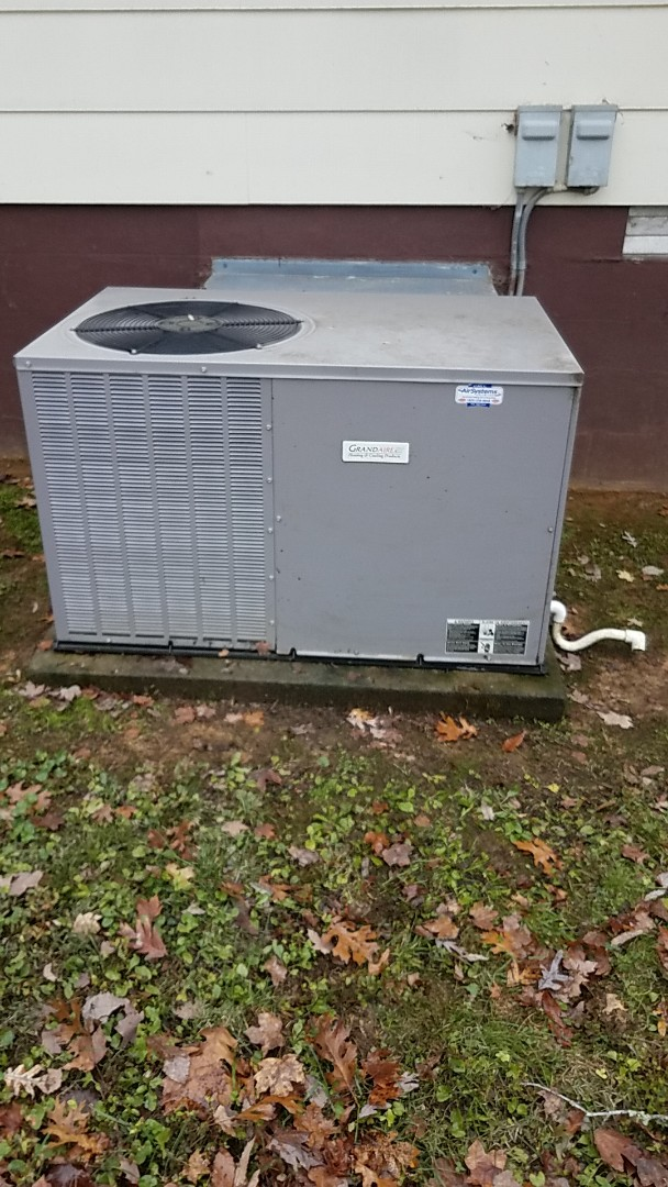 Ooltewah, TN - Service call. performed fall maintenance on a Grandaire Heat Pump system.