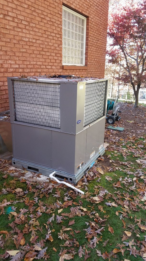 McDonald, TN - Service call, performed repair on Carrier heat pump