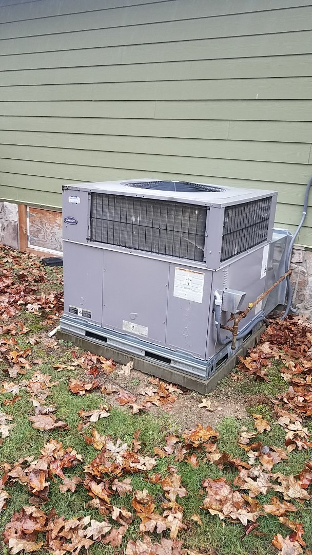 Ooltewah, TN - Service call. Performed Fall maintenance on a Carrier gas package unit.
