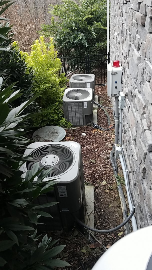 Chattanooga, TN - Service call. Performed repairs on carrier condenser