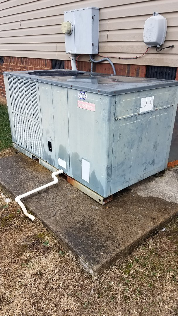 Ooltewah, TN - Service call . Performed repair on Goodman heat pump