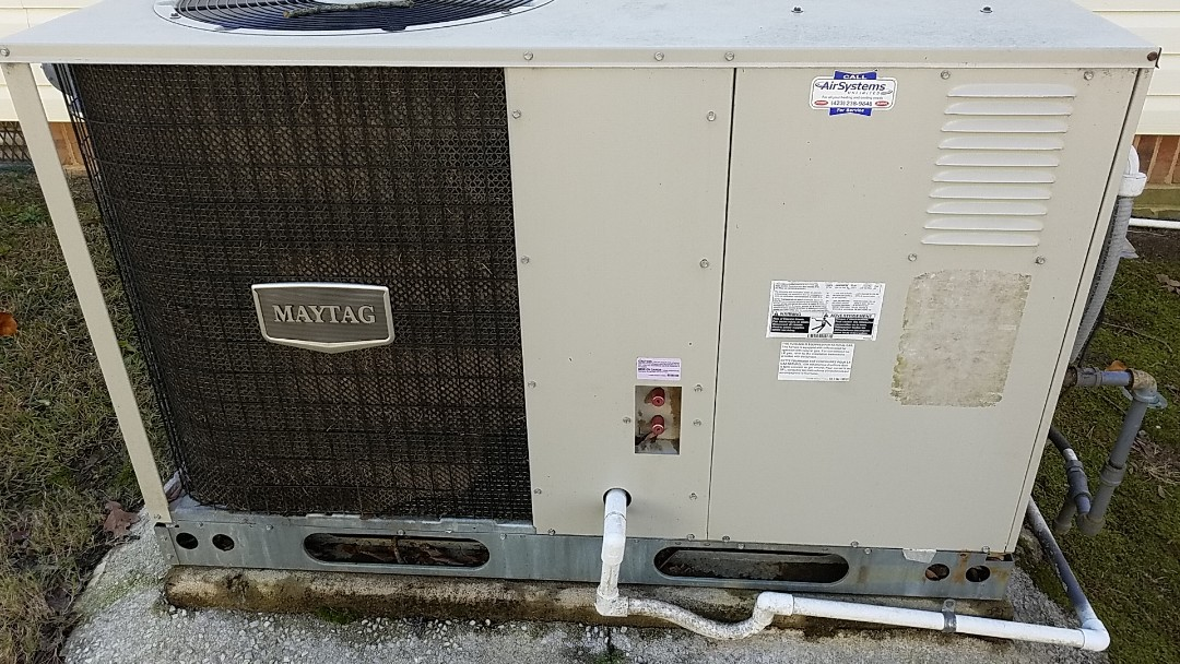 Chattanooga, TN - Maintenance call. Performed maintenance on Maytag gas electric system