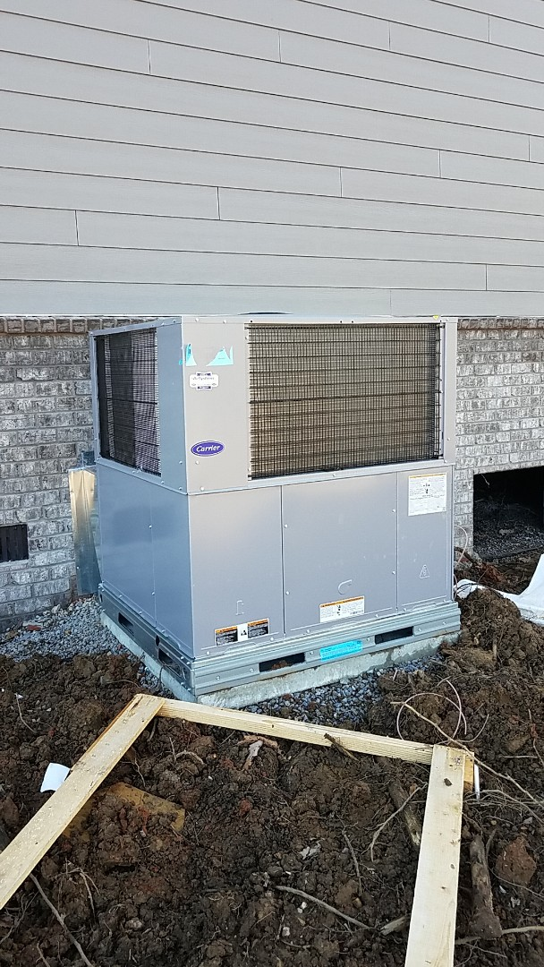 Signal Mountain, TN - Installation of a new Carrier Gas package unit.