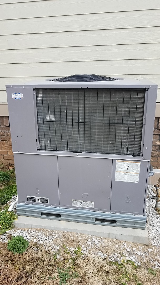 Ooltewah, TN - Service call. Performed Winter maintenance on a Carrier Gas package system.