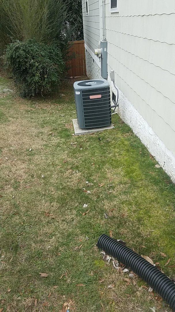 Chattanooga, TN - Service call. Performed repair on Goodman heat pump