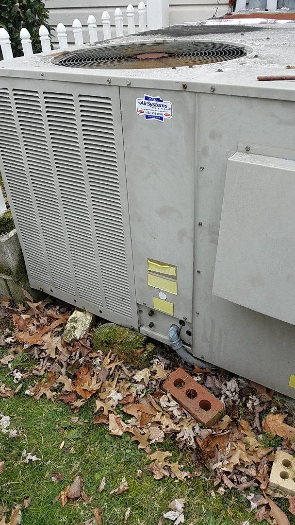 Soddy-Daisy, TN - Service call. Performed repair on Goodman furnace