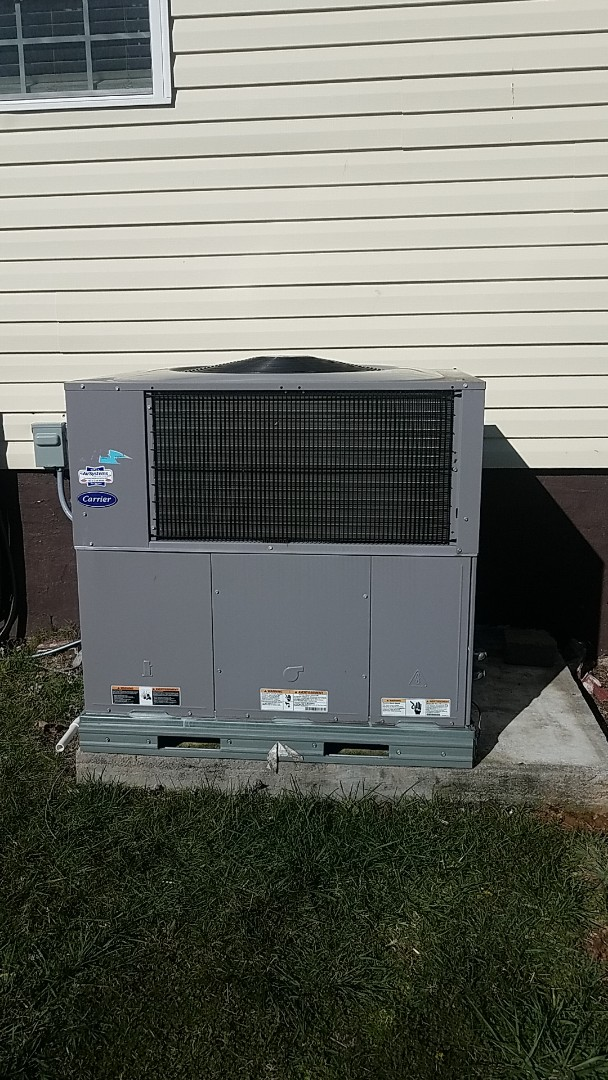 Cleveland, TN - Service call. Performed service on a Carrier Heat Pump system.