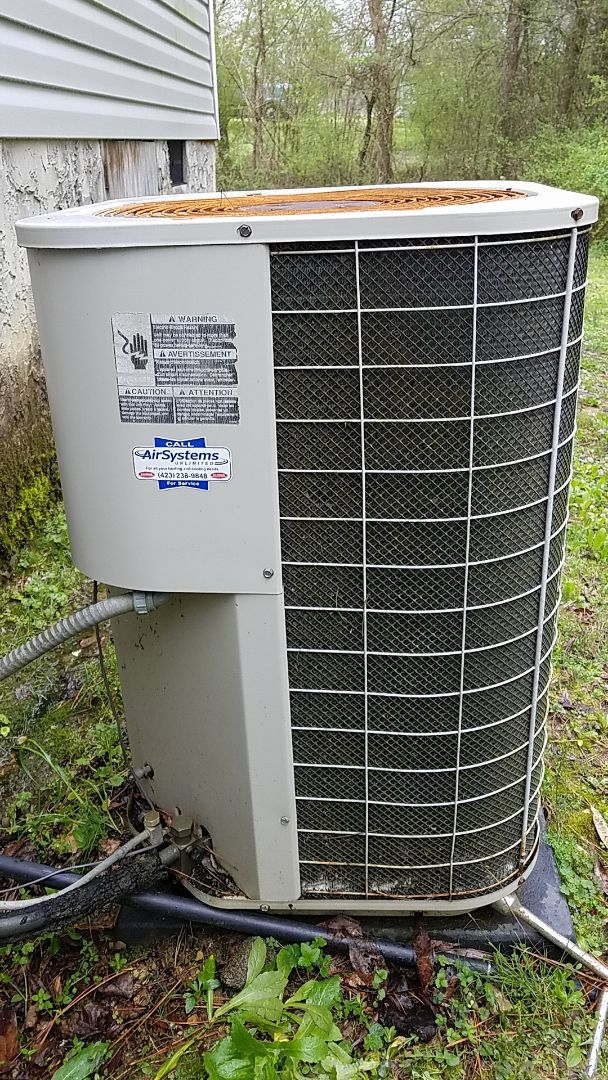 Cleveland, TN - Service call. Performed repair on Intertherm heat pump