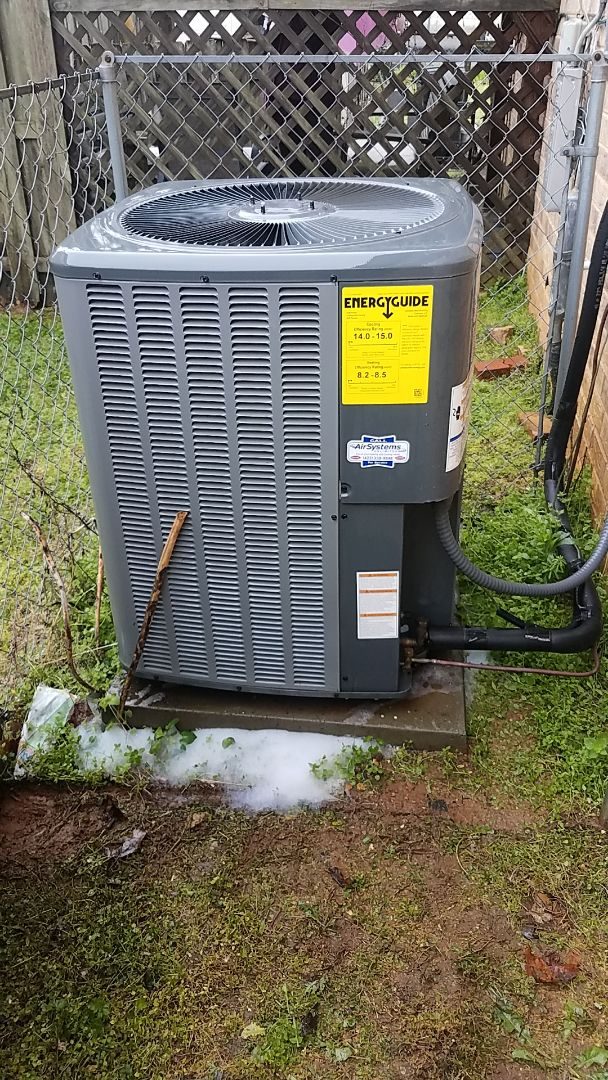 Cleveland, TN - Service call. Performed Spring maintenance on an Amana Heat Pump system.