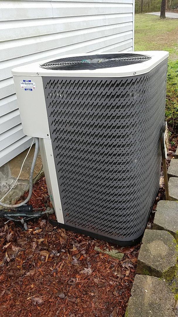 Soddy-Daisy, TN - Service call. Performed repair on Intertherm heat pump