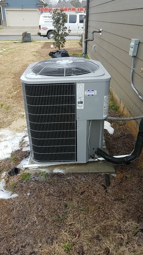 Cleveland, TN - Service call. Performed Spring maintenance on a Carrier system.