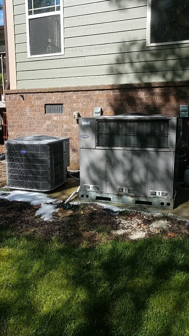 Signal Mountain, TN - Service call.  Performed Spring maintenance on two Carrier AC systems.