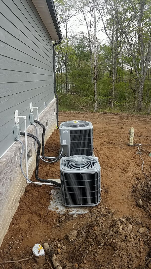 Signal Mountain, TN - Installation of a new Carrier AC system.