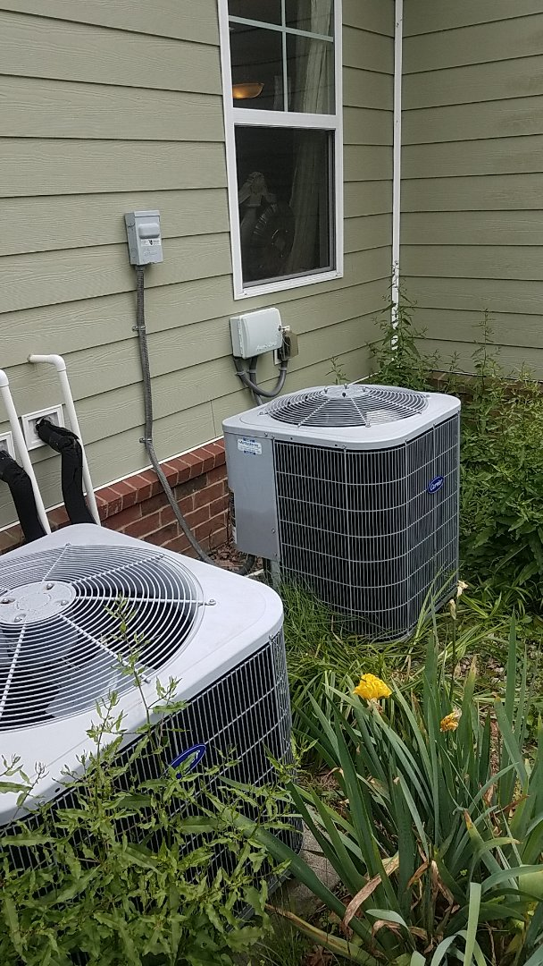 Signal Mountain, TN - Service call.  Performed repair on a Carrier AC system.