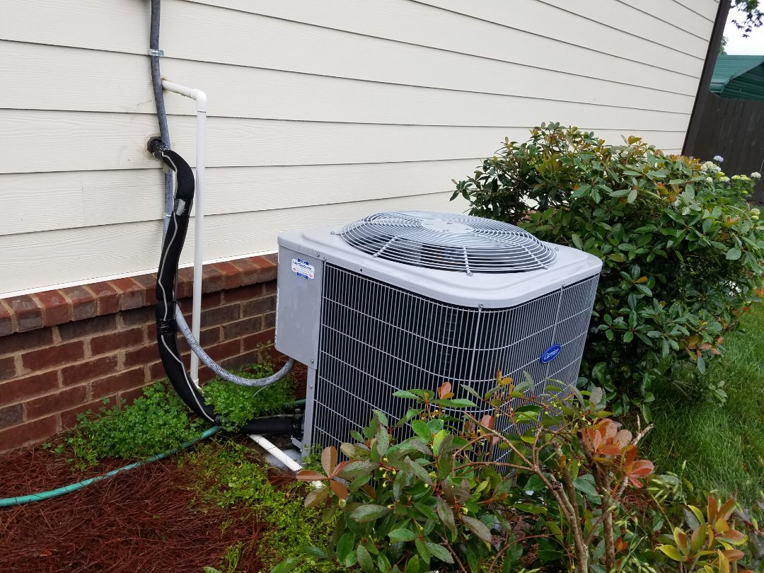 Soddy-Daisy, TN - Maintenance call. Performed maintenance on Carrier AC