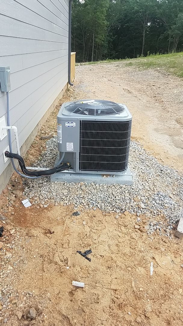 Soddy-Daisy, TN - Installation of a new Carrier AC system.