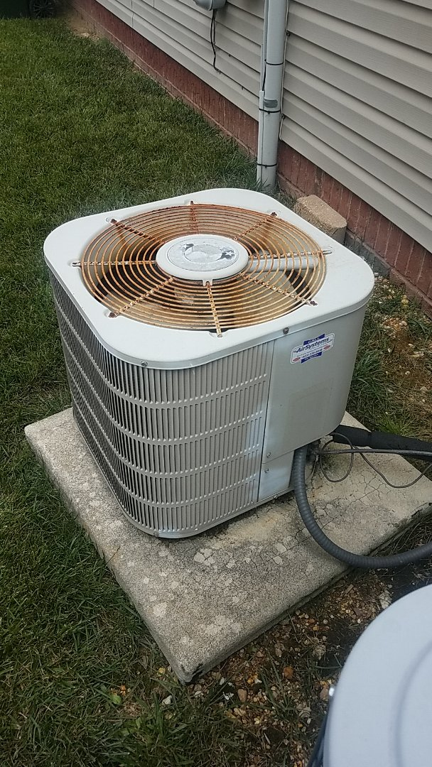 Ooltewah, TN - Service call.  Performed service on a Frigidaire Heat Pump AC system.