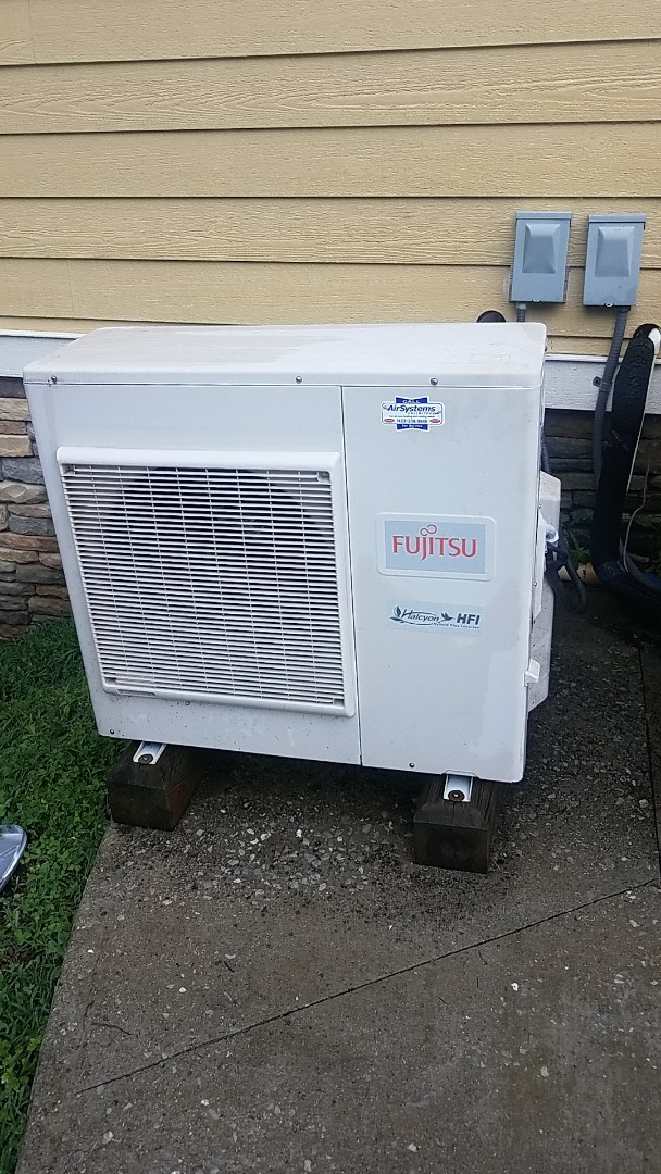 McDonald, TN - Service call.  Performed service on a Fujitsu mini split AC system.