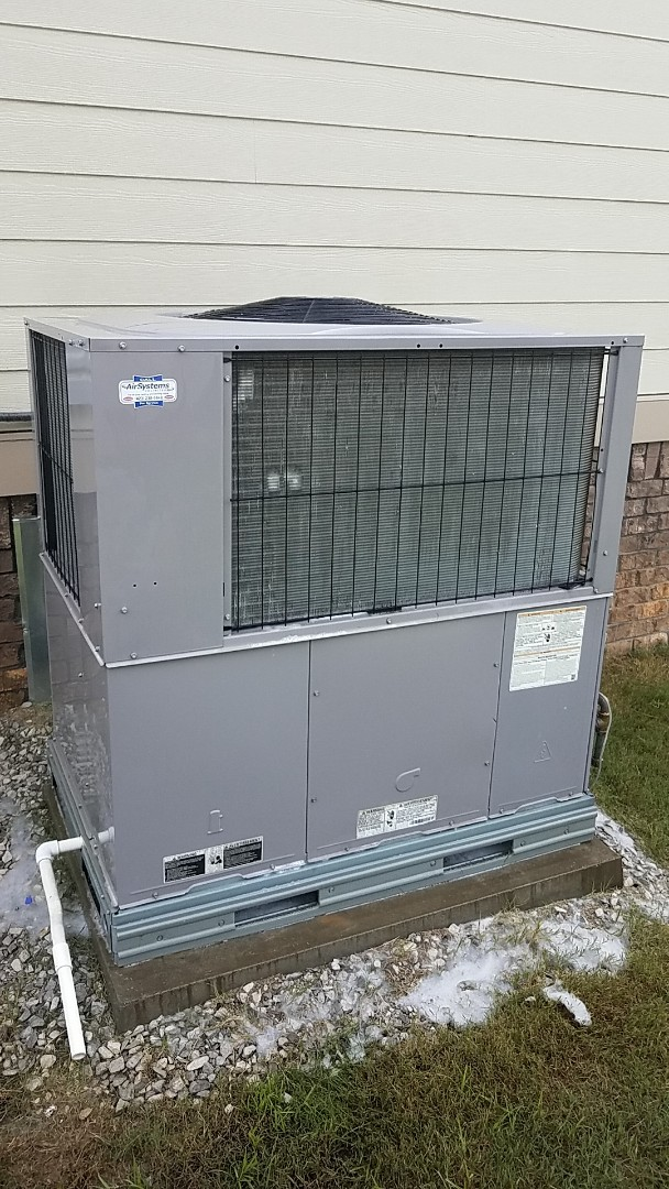 Ooltewah, TN - Service call.  Performed Summer maintenance on a Carrier AC system.