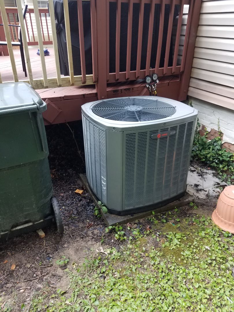 Chattanooga, TN - Service call.  Performed repair on trane heat pump