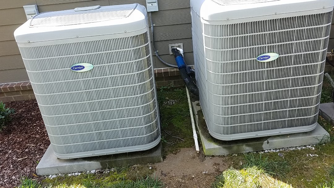 Signal Mountain, TN - Service call. Performed repair on Carrier heat pump