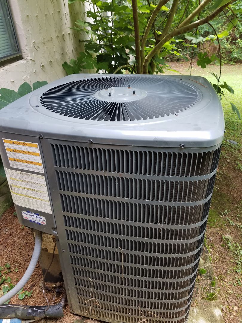 Harrison, TN - Service call. Performed repair on Goodman heat pump.